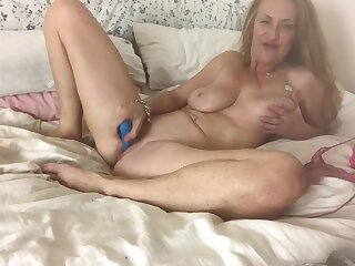 RubyRokkit Plays relating to her Toys in her Bedroom